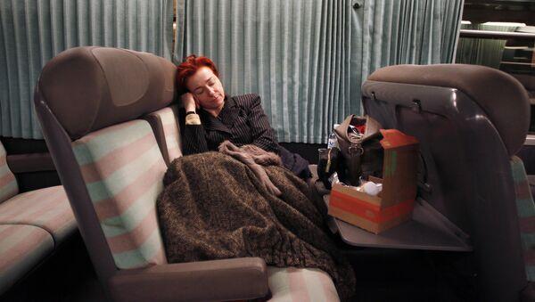 Passenger rest on the Paris-Cherbourg train - Sputnik France