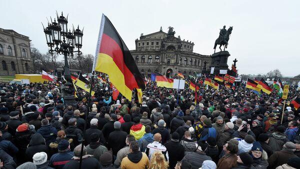Une manifestation contre l'immigration à Dresde - Sputnik France