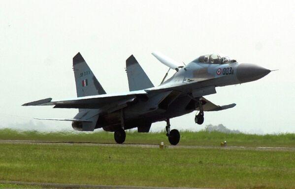 Chasseurs Su-30MKI, possible alternative aux Rafale - Sputnik France