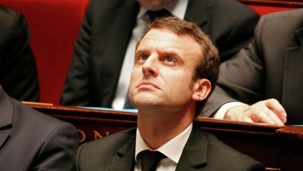 French Economy Minister Emmanuel Macron attends the questions to the government session at the National Assembly in Paris February 17, 2015. - Sputnik France