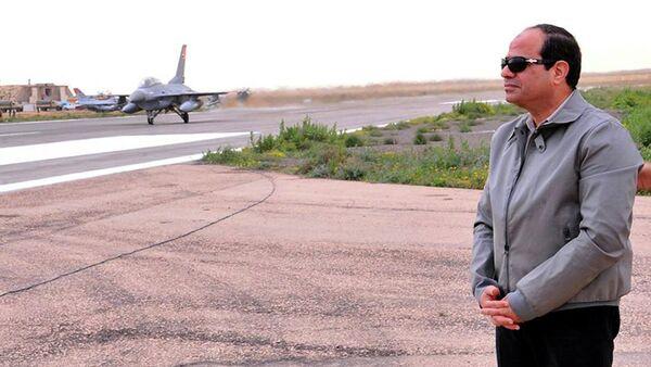 Egyptian President Abdel Fattah al-Sisi looks on during a visit to the border between Egypt and Libya - Sputnik France