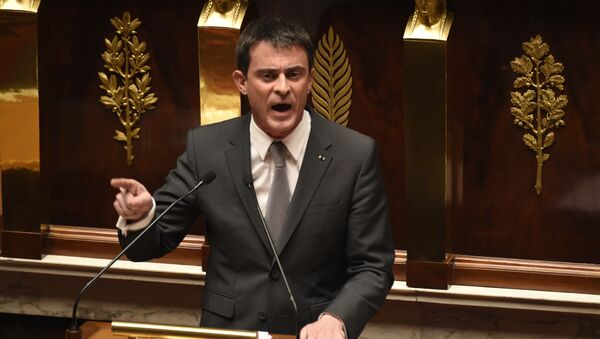 French Prime Minister Manuel Valls speaks prior to parliamentary vote of confidence over the government's economic reform at the French National Assembly on February 19, 2015 in Paris - Sputnik France