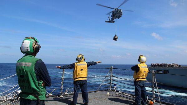 USS Kidd на поисках пропавшего боинга-777 Малайзийских авиалиний MH370 - Sputnik France