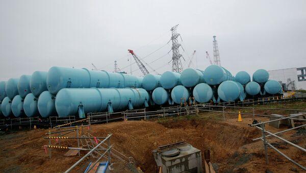 Conteneurs d'eau contaminée à la centrale nucléaire de Fukushima - Sputnik France
