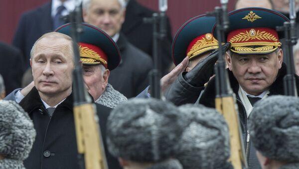 Президент РФ В.Путин возложили венок к Могиле Неизвестного Солдата - Sputnik France