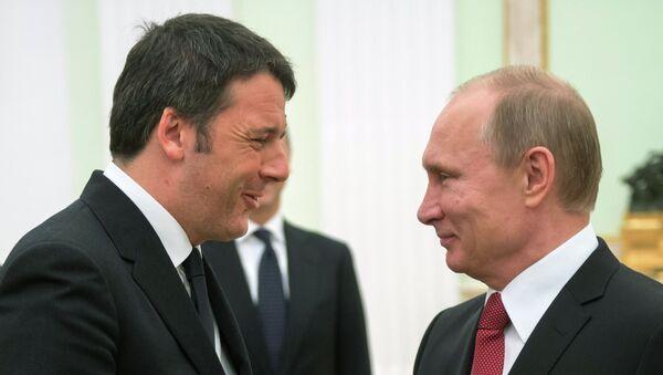 Президент России Владимир Путин (справа) и премьер-министр Италии Маттео Ренци во время встречи в Кремле - Sputnik France