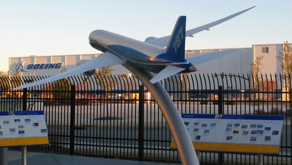 Model of a Boeing 787 is seen outside the company's massive assembly plant in North Charleston - Sputnik France
