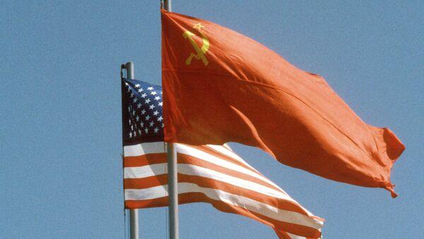Флаги СССР и США - Sputnik France