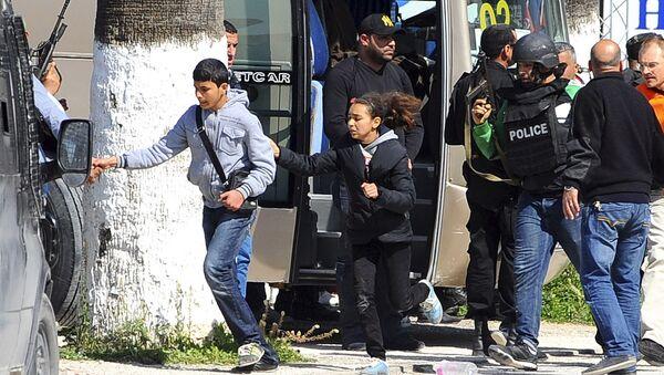 Tunis a été frappé mercredi par une attaque terroriste, ce sont apparemment deux hommes qui se sont introduits dans le musée Bardo et tiré sur les visiteurs - Sputnik France