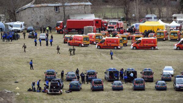 Французские пожарные и спасатели в окрестностях крушения самолета Airbus A320 - Sputnik France