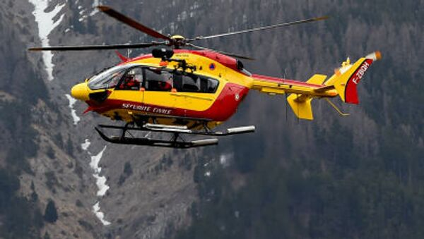 Hélicoptère près du lieu de crash d'Airbus A320 - Sputnik France