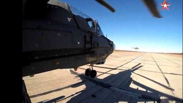 A bord d'un hélicoptère russe Ka-52 Alligator - Sputnik France