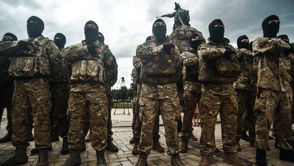 Des combattants d'un bataillon nationaliste ukrainien prête serment - Sputnik France