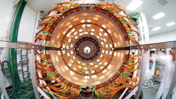 Vue du trajectographe externe du détecteur CMS dans une salle propre - Sputnik France