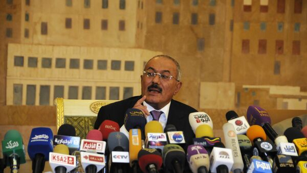 Yemen's Ex-president Ali Abdullah Saleh speaks to reporters during a press conference at the Presidential Palace in Sanaa, Yemen. File photo - Sputnik France