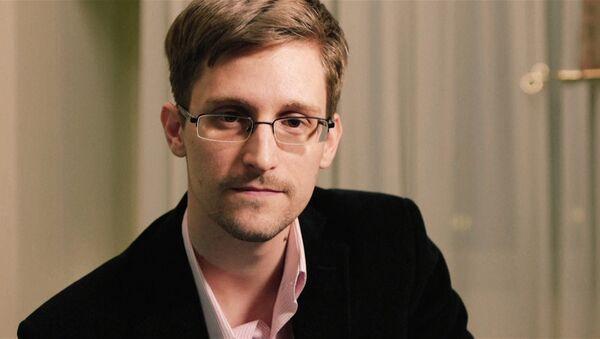 Сноуден поздравил всех с Рождеством и напомнил об охране частной жизни - Sputnik France