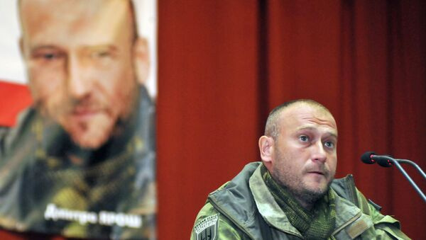 Right Sector's leader Dmitry Yarosh meets with residents of Lvov - Sputnik France