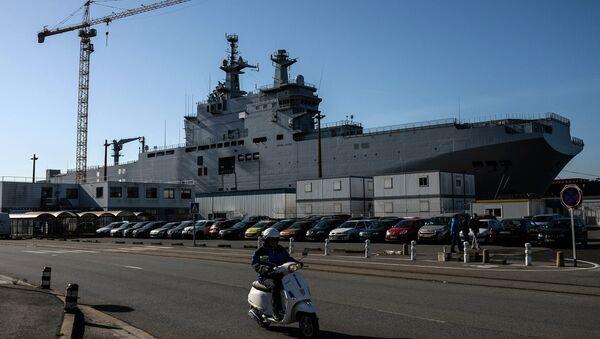 Vladivostok amphibious assault ship of the French Mistral class in the docks of SNX France - Sputnik France