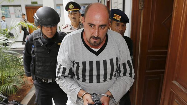 Death row inmate Serge Atlaoui of France arrives for signing documents for his judicial review at Tangerang District Court in Tangerang, Banten province April 1, 2015. - Sputnik France