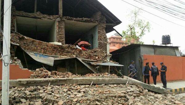 Collapsed building is seen in Nepal's capital Kathmandu - Sputnik France