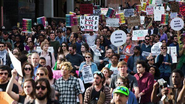 Protestors march Wednesday, April 29, 2015, in Baltimore. - Sputnik France