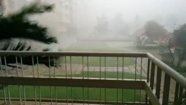 Des vents violents balaient Bangalore, en Inde - Sputnik France