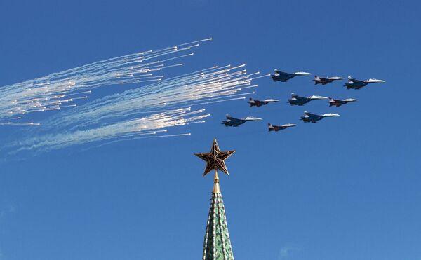 L'aviation russe se prépare au Défilé de la Victoire à Moscou - Sputnik France