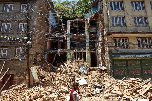 Népal: déblaiement des décombres et évacuation des victimes - Sputnik France