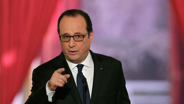 French President Francois Hollande gestures as he answers a question during a news conference at the Elysee Palace in Paris February 5, 2015 - Sputnik France