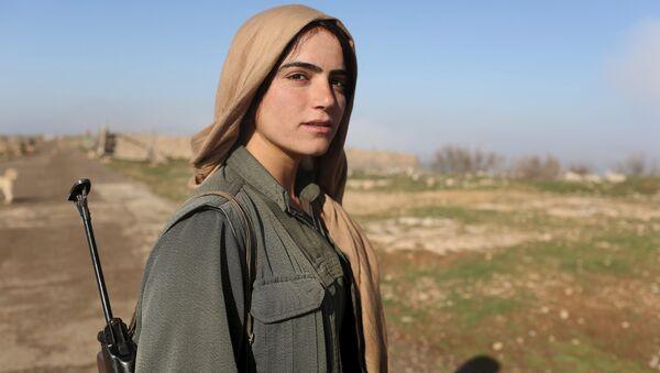 Une combattante kurde - Sputnik France