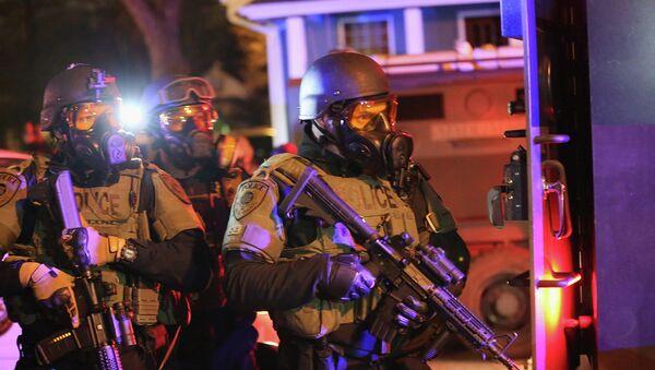 Беспорядки в городе Фергюсон, США - Sputnik France