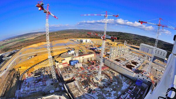Construction d'un réacteur thermonucléaire expérimental international (ITER) près du centre de recherche de Cadarache - Sputnik France