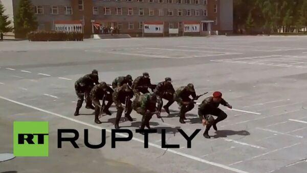 Danse guerrière de cadets mozambicains - Sputnik France