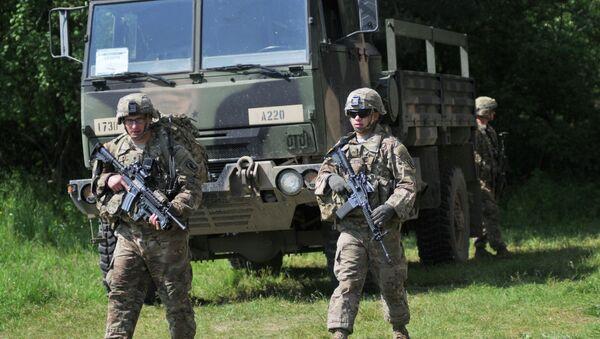 Les militaires ukrainiens formés par des soldats US - Sputnik France