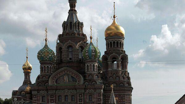 Прогулочный маломерный катер на канале Грибоедова в Санкт-Петербурге - Sputnik France