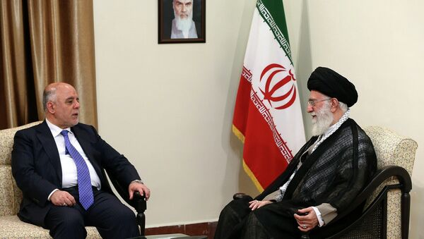 In this photo released by an official website of the office of the Iranian supreme leader, Supreme Leader Ayatollah Ali Khamenei, right, listens to Iraqi Prime Minster Haider al-Abadi during their meeting in Tehran, Iran, Wednesday, June 17, 2015. - Sputnik France
