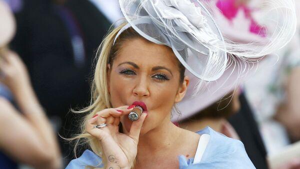 Les chapeaux fantastiques des courses royales d'Ascot - Sputnik France