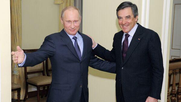 Vladimir Putin meets with Francois Charles Armand Fillon - Sputnik France