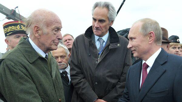 Giscard d'Estaing et Vladimir Poutine - Sputnik France