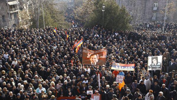 Митинг оппозиции проходит в центре Еревана - Sputnik France