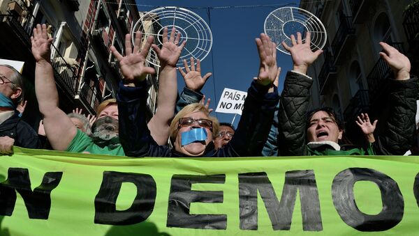Manifestation contre la loi bâillon - Sputnik France