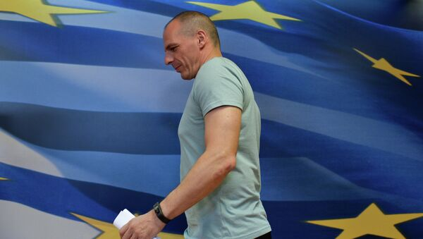Greek Finance Minister Yanis Varoufakis arrives for his press conference in Athens on July 5, 2015, after early results showed those who rejected further austerity measures in a Greek crucial bailout referendum were poised to win - Sputnik France