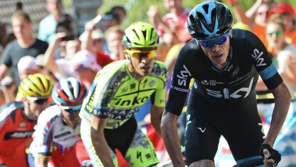 Christopher Froome (à droite) lors de la 3e étape du Tour de France 2015 - Sputnik France