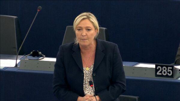 Euro et l'austérité sont frères siamois selon Marine Le Pen - Sputnik France
