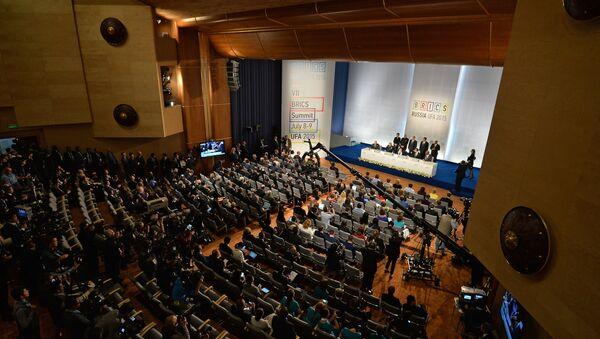 Подписание совместных документов по итогам встречи лидеров БРИКС - Sputnik France