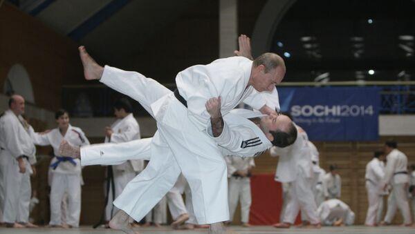 Премьер-министр РФ Владимир Путин провел тренировку по дзюдо в Школе высшего спортивного мастерства в Санкт-Петербурге - Sputnik France