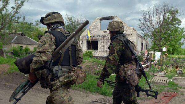Des militaires de l'armée ukrainienne, Ukraine, mai 2015 - Sputnik France