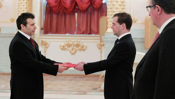 Dmitry Medvedev receives credentials from ambassadors - Sputnik France