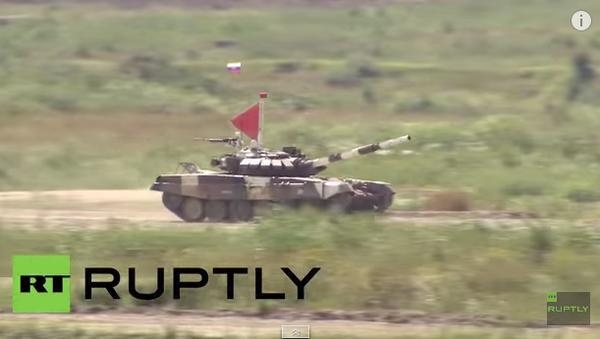 Russie: le Biathlon en char d'assaut chars a démarré - Sputnik France