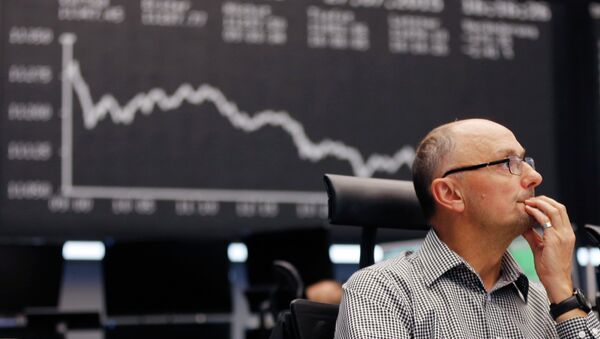 A trader watches his screens at the stock market in Frankfurt, Germany - Sputnik France